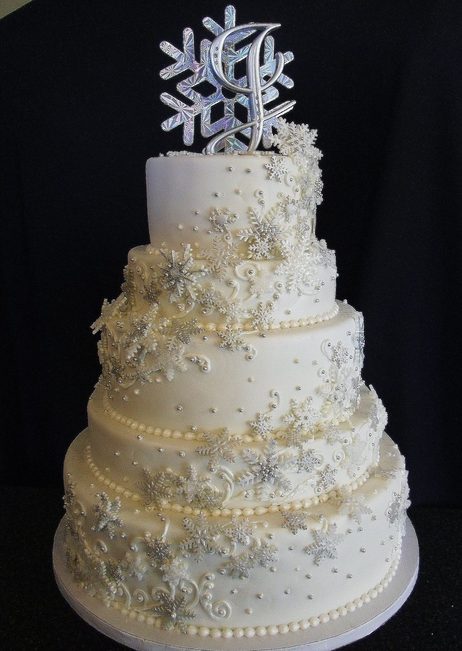 winter wonderland wedding cake pictures winter themed wedding made and painted 27573