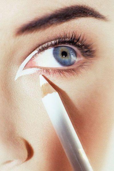 20 Amazing Eyeliner Looks To Try Immediately Maquillaje De Ojos