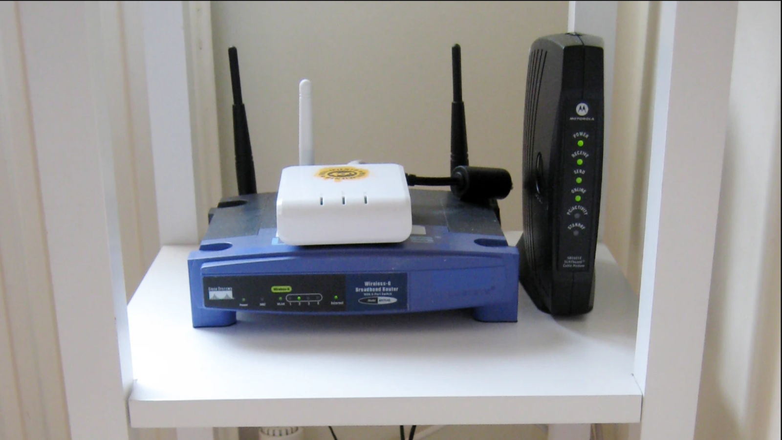 How To Extend Your Wifi Network With An Old Router Wireless Networking Wifi Network Router