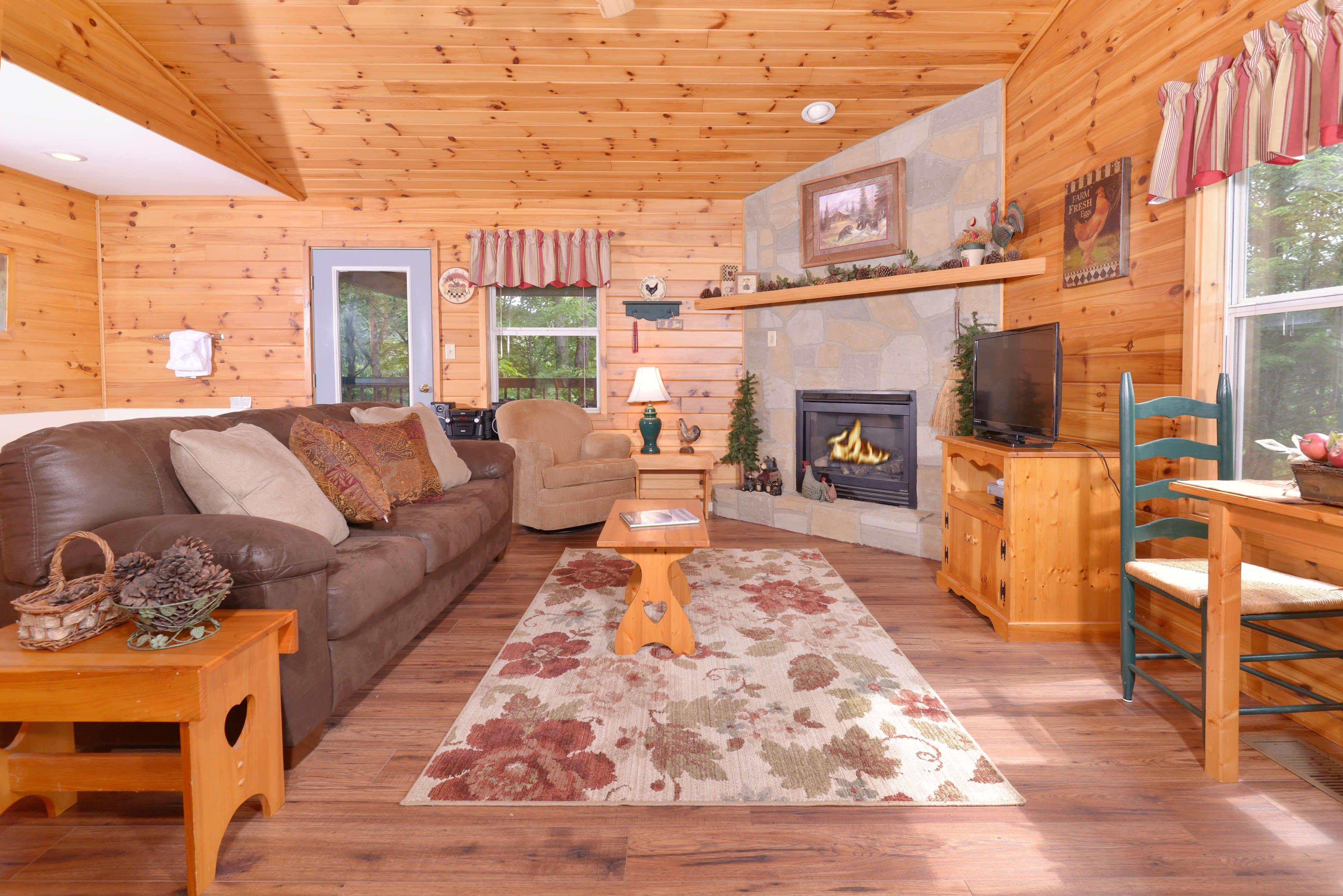 SEVIERVILLE Cabin Rental RIVER SOUNDS 121 1 Bedroom