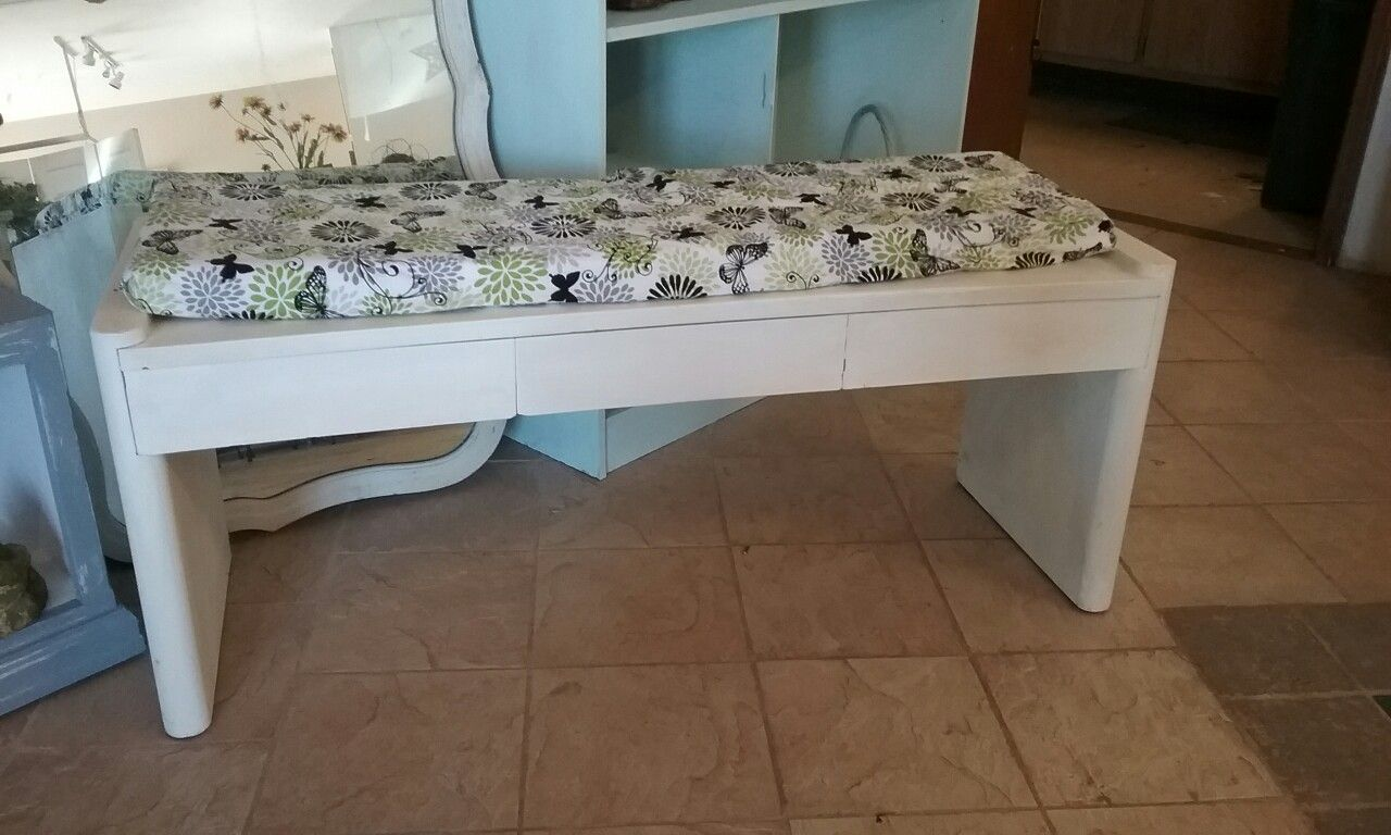Adorable bench drawers with slight curve with or without the