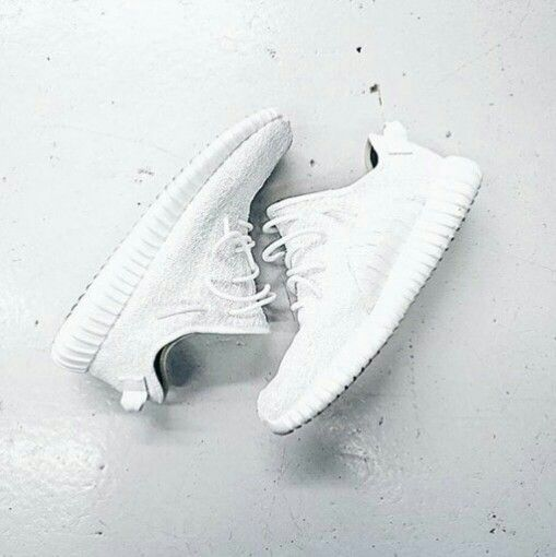 Adidas Yeezy 350All White 'iddish ! | Shoes | Tenis, Relogios