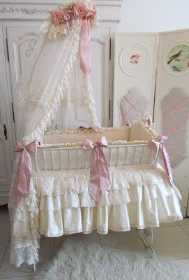 Wrought Iron Baby Bed Avec Images Lit Bebe Decoration Shabby