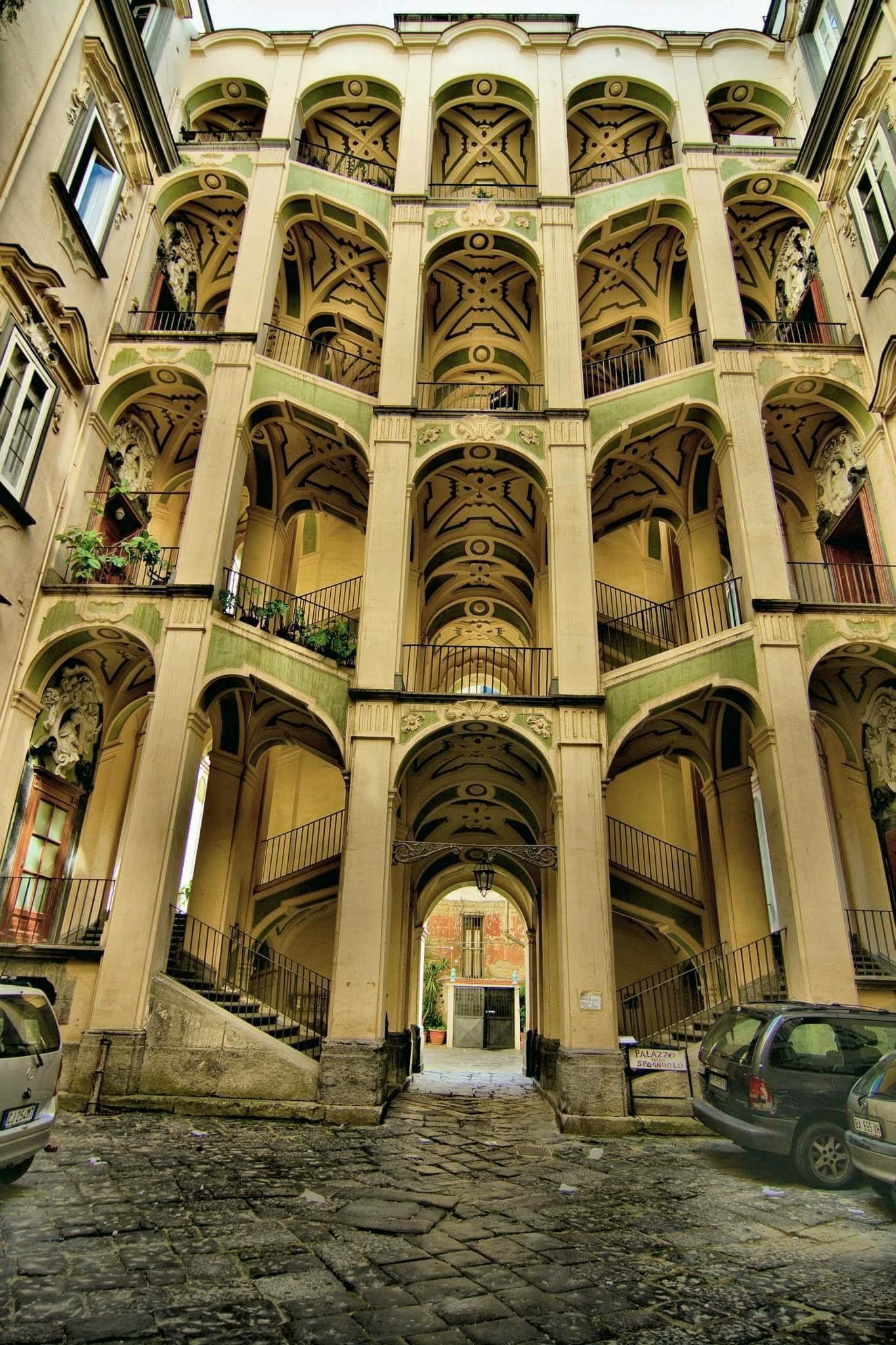 Palazzo dello Spagnolo a Napoli