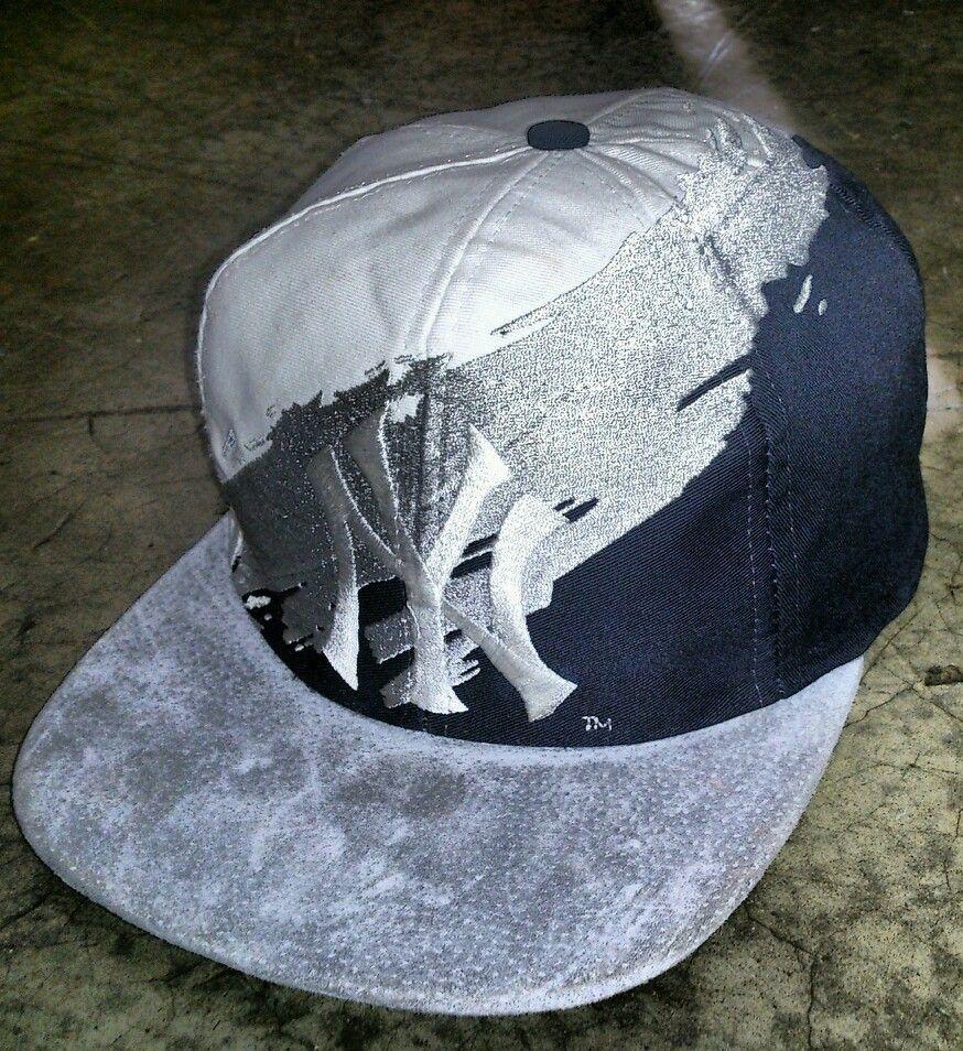 new styles 005a2 c79cd New York Yankees Logo Athletic Splash Snapback Hat Cap Sports Specialties