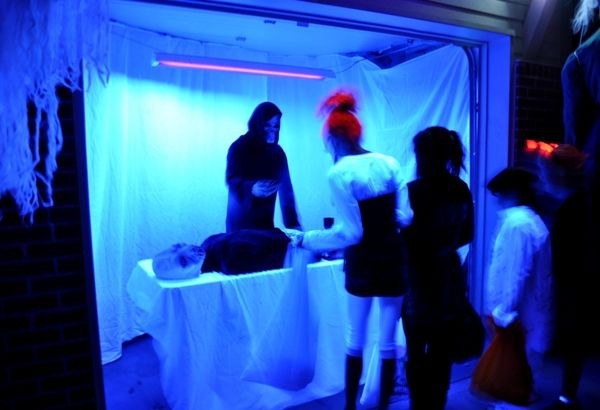 this garage haunt used black light to create a monster autopsy scene small but effective way to. Black Bedroom Furniture Sets. Home Design Ideas