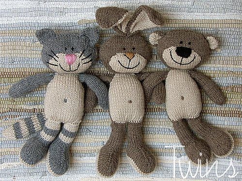 Twins' Knitting Pattern MiniShop: Happy Pets, flat trio