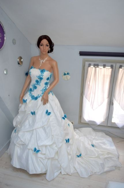 Robe de mariage bleu blanc