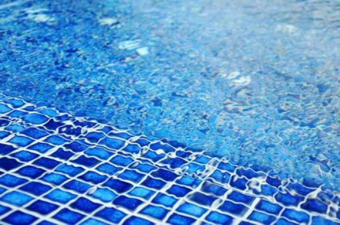 10 types de revêtements pour votre piscine