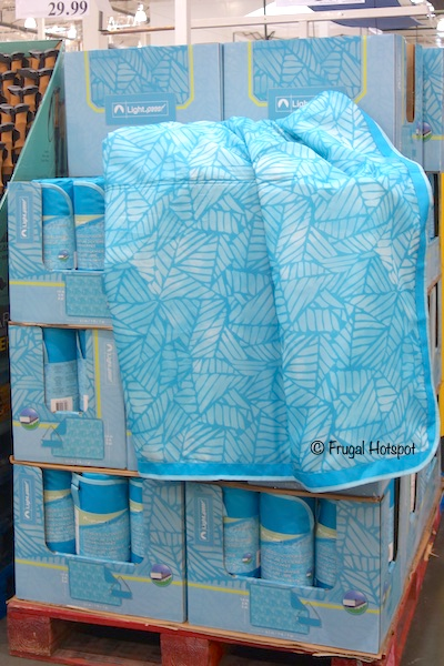 Costco Sale: Lightspeed Oversized Outdoor Blanket $14.99