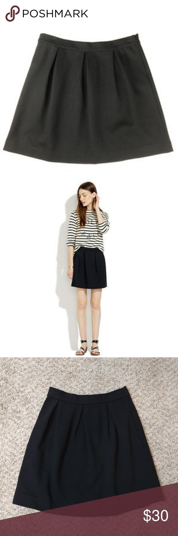 c76714b99c Madewell Bistro Mini Skirt Size 0 Black #49752 68% viscose, 28% polyamide,  4% spandex Medium weight knit with great stretch Flattering box pleats  Hidden ...