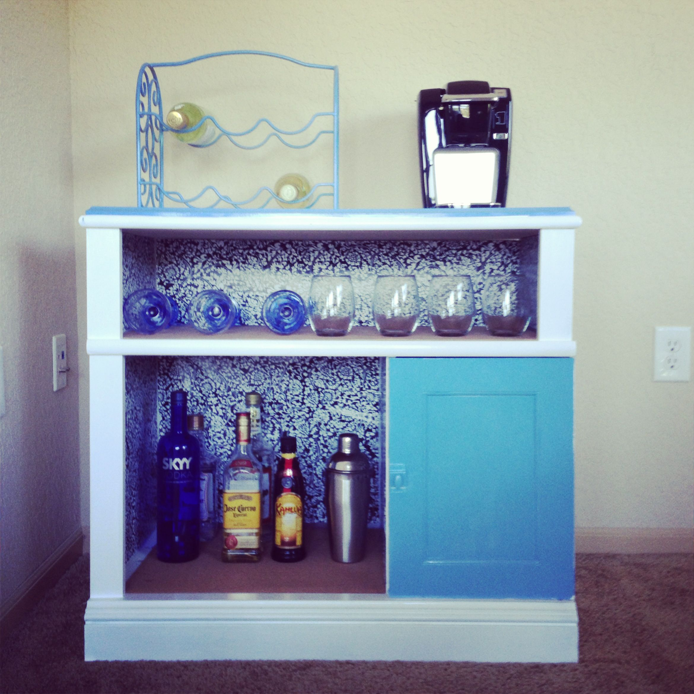 Diy Mini Bar For The Apartment Diy Apartments Diy Moving