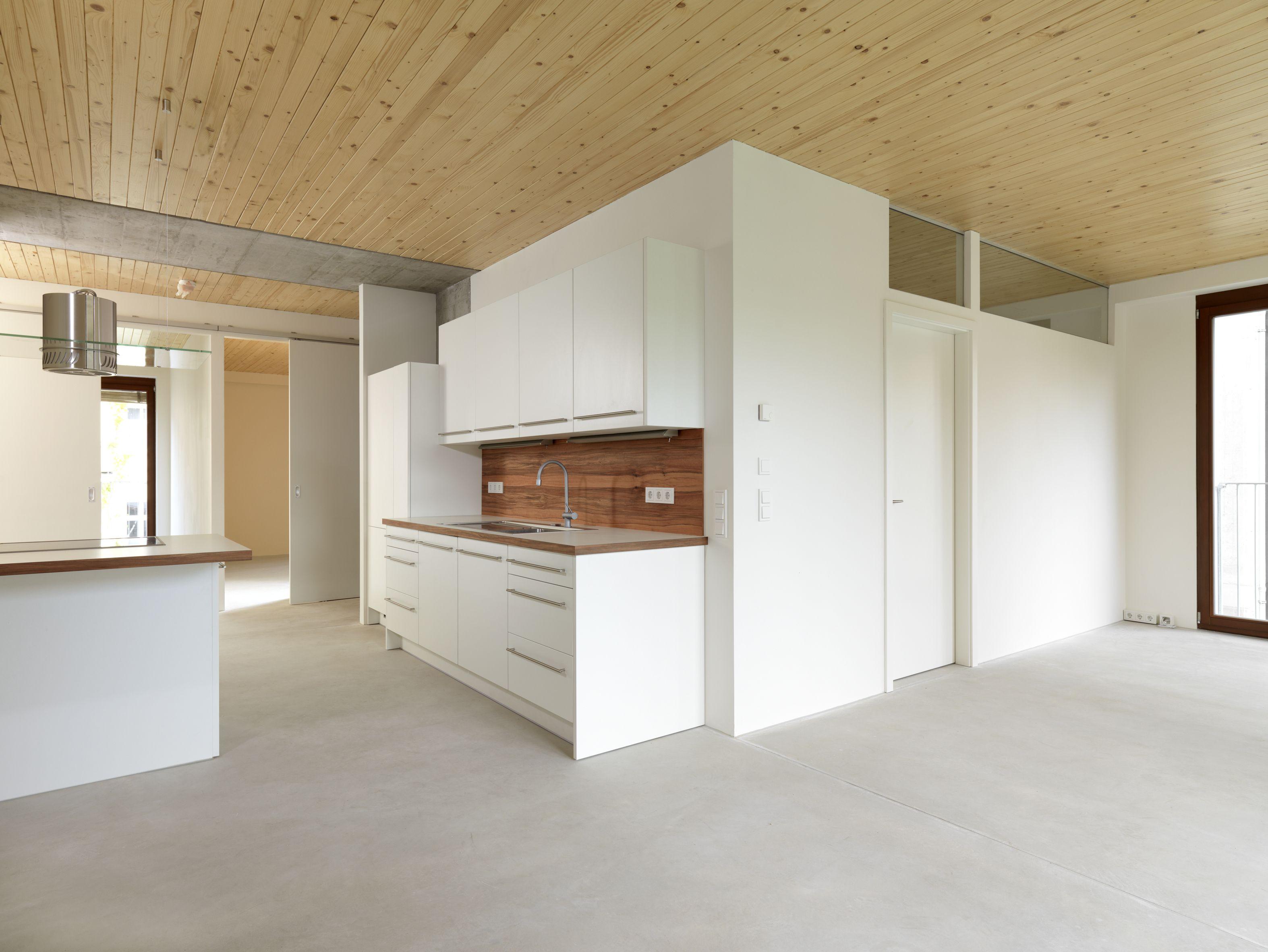 Küche Massivholz, weiß lackierte Oberflächen | Küchen | Pinterest