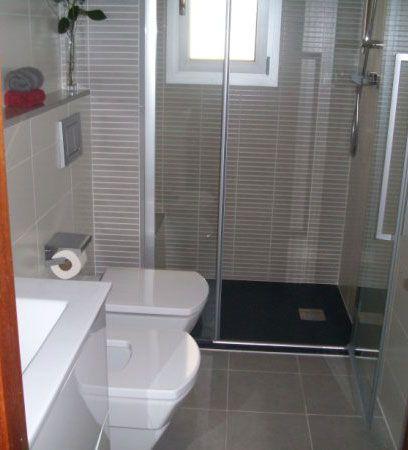 Ba os peque os con duchas buscar con google ideas para for Aseos pequenos con ducha