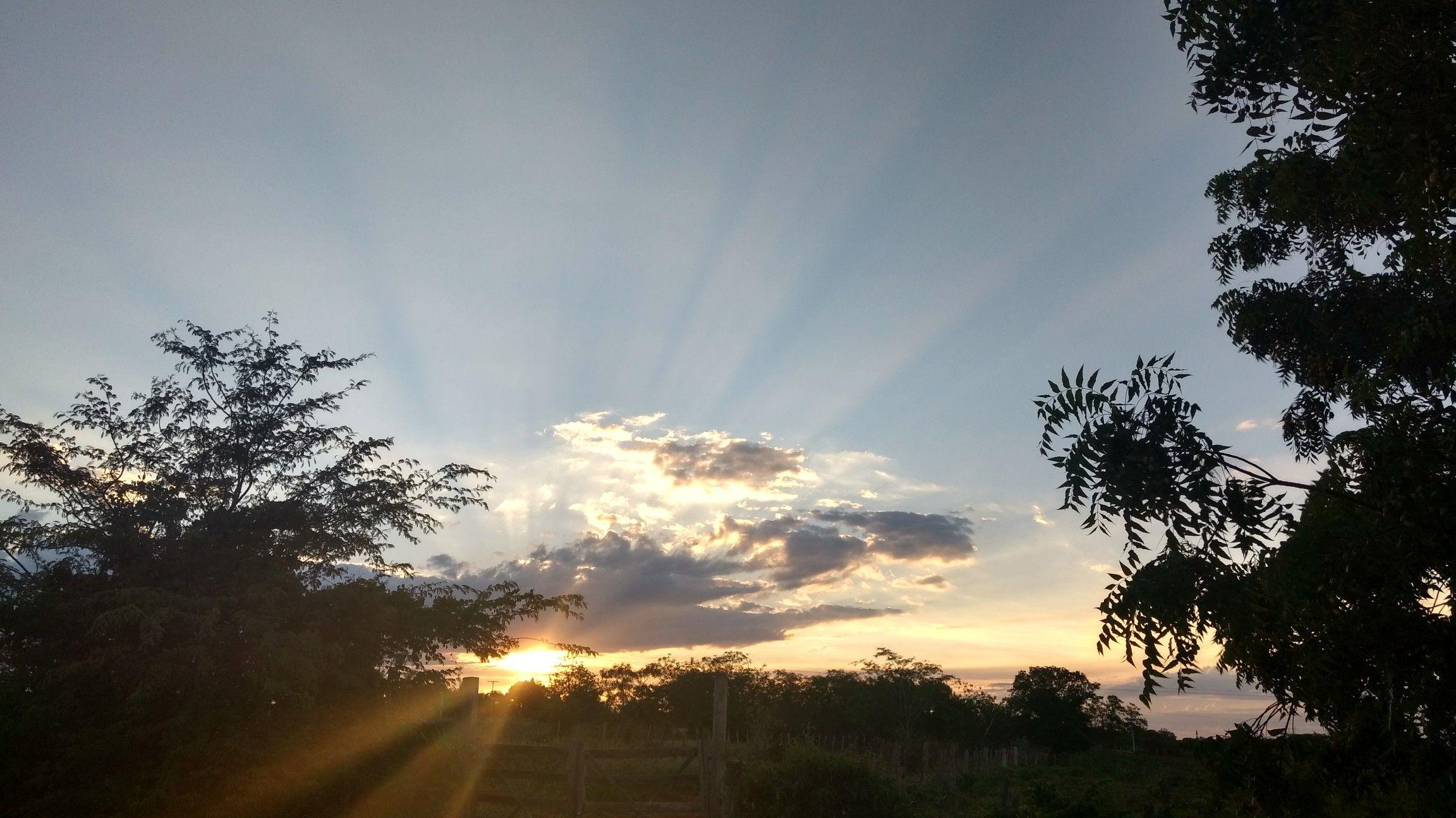 Do nascer ao pôr do sol, um dia após o outro... Sejas louvado!