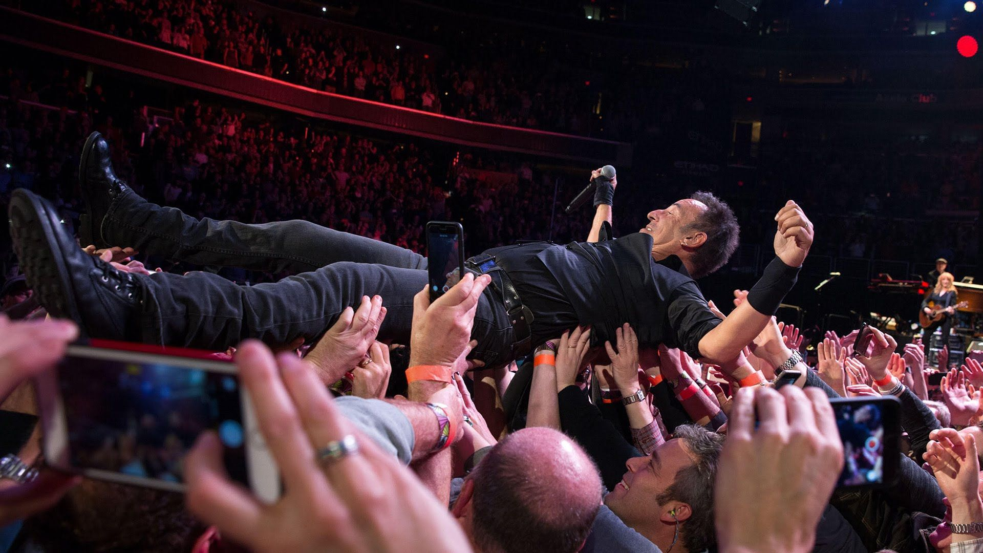 Book Bruce Springsteen on tour, private one offs, 2017
