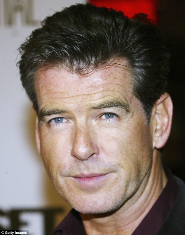 Actors With Black Hair And Green Eyes : actors, black, green, Pierce, Brosnan, Gives, People, Freckles, Actors, Black, Hair,, Eyes,