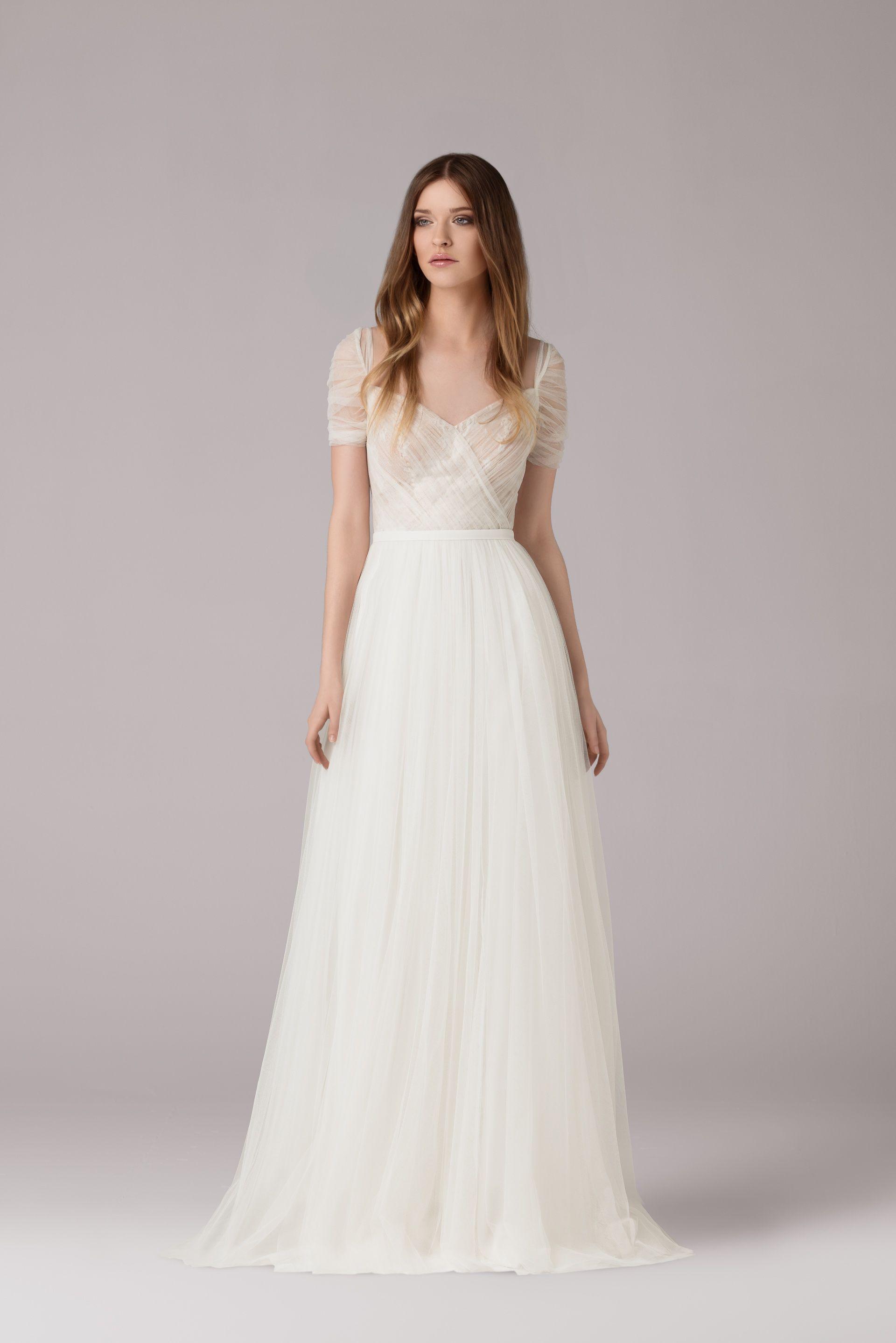 df7765517ce8a ANNA KARA gorgeous simply wedding dress | inspirations in 2019 ...