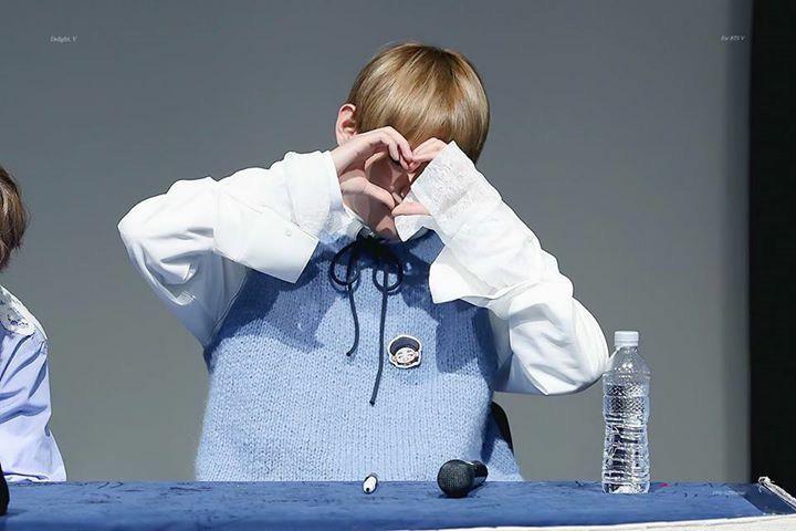 Taehyung at Sincheon fan sign ❤️