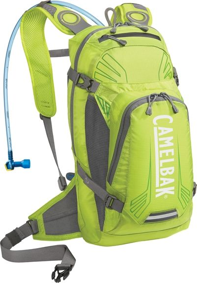 Camelbak backpack with water reservoir and water tube for easy ...