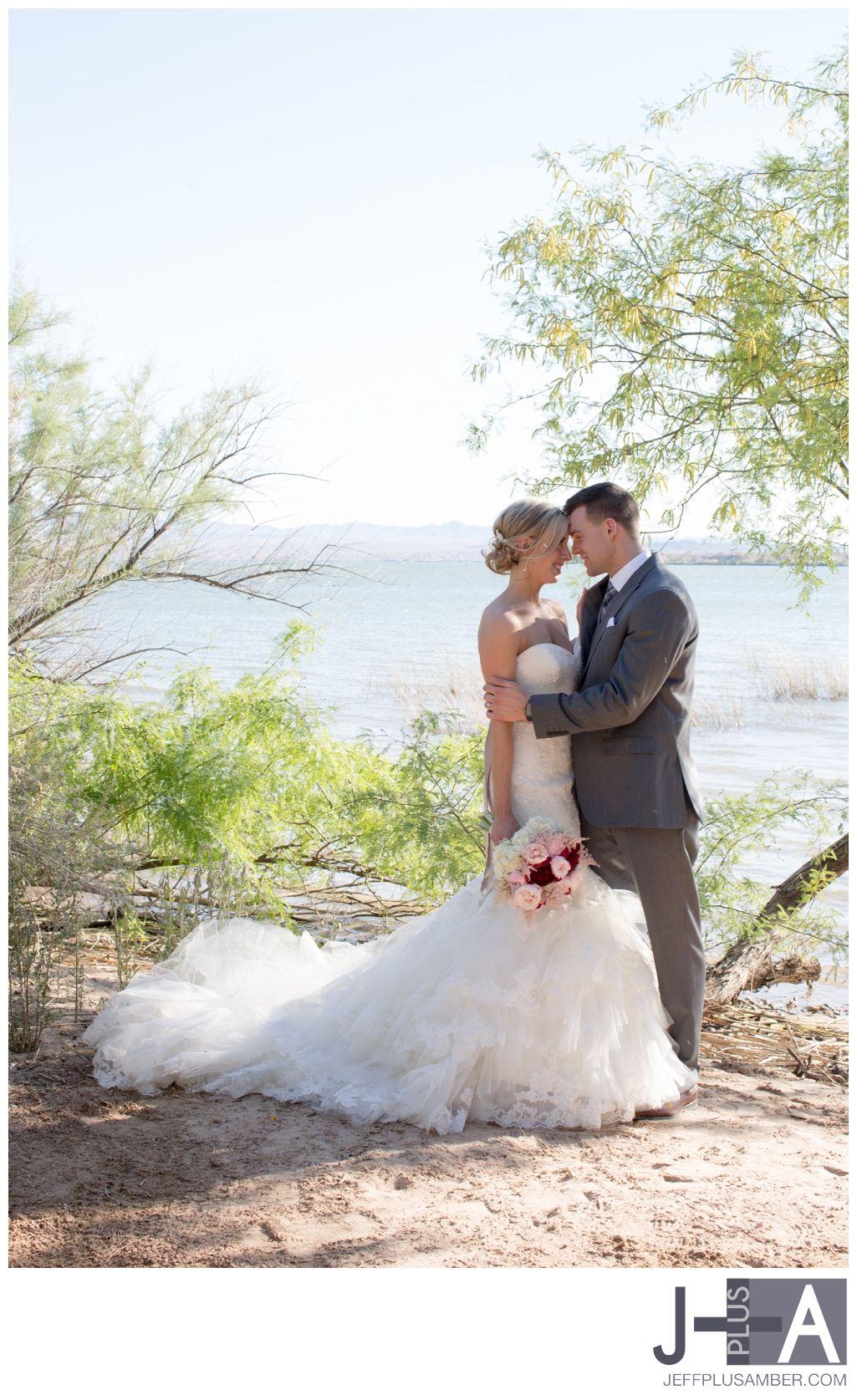 Amber Goetz pinamber goetz on behind my lense | country club wedding