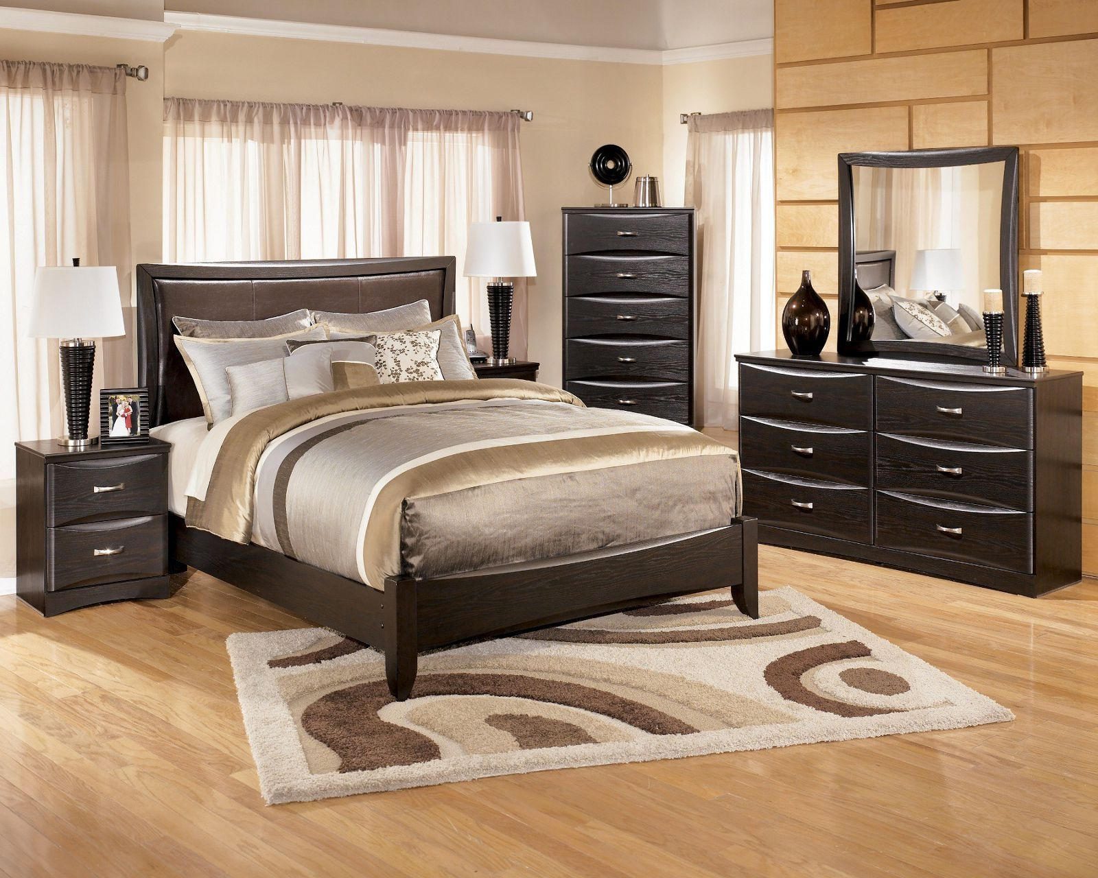 Ashley Furniture Ashley Furniture Maribel Panel Bedroom Set Queen Part 83