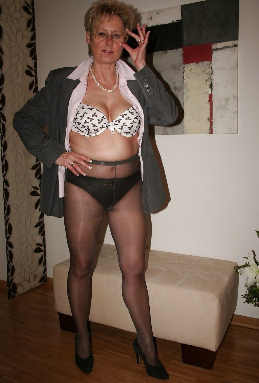 Your Pantyhose Ladies How 62