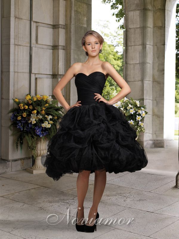 2017 Vintage New Short Black Ball Gown Knee Length Ruched Bubbles Pick Up Tulle Gothic Wedding Dresses Colorful Bridal Gowns