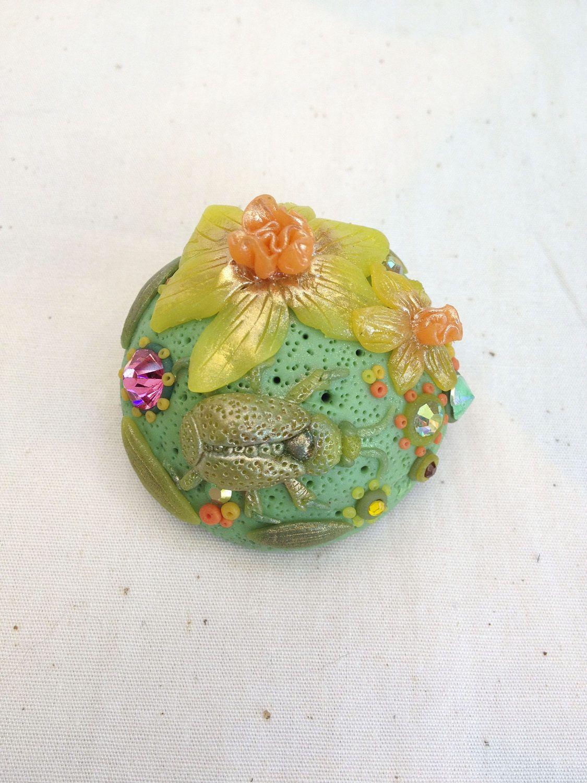 Beetle daffodil broochgreen handmade rhinestone jewellery