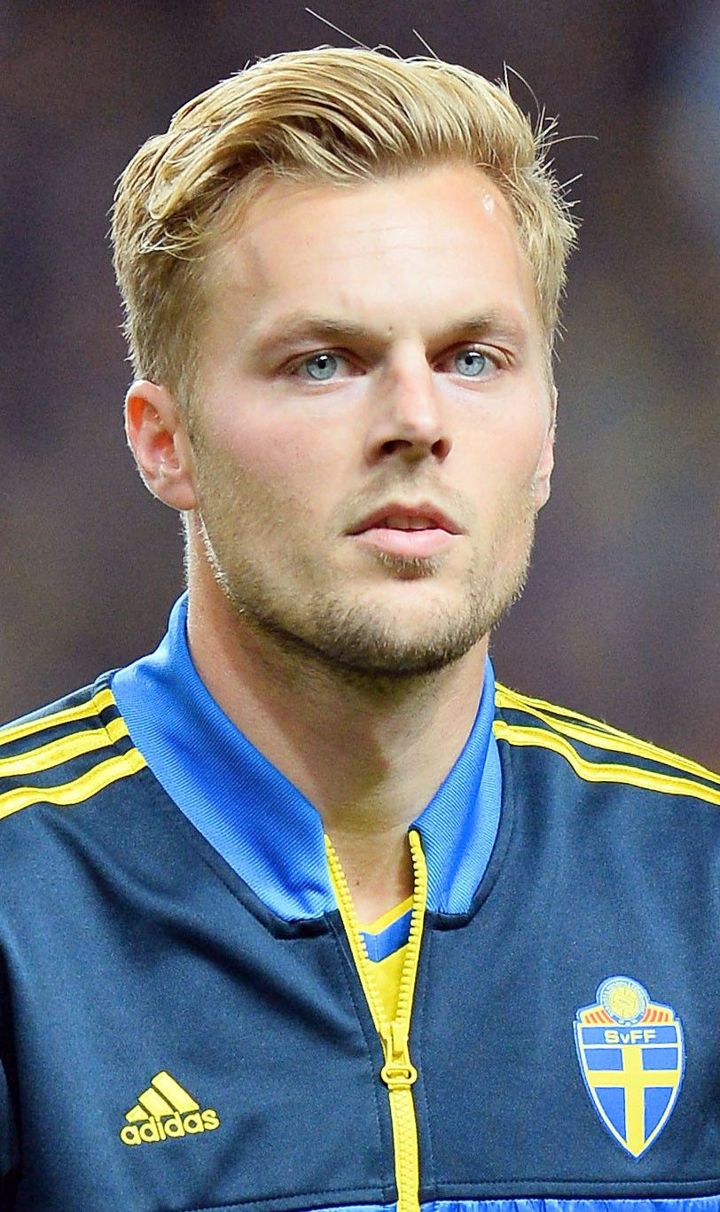 Sebastian Larsson From Hottest Soccer Studs Swedish Men Blonde Guys Sweden