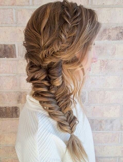 Small fishtail braid down the side into a larger one ...