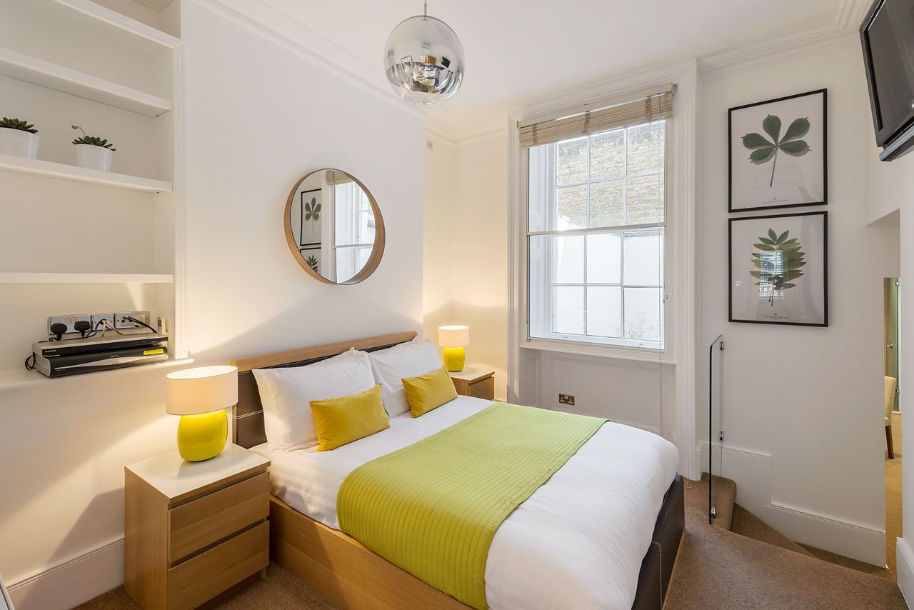 Junior One Bedroom apartment - Gloucester Place, Marylebone.  the entire West End of London is within easy reach by foot, bus or tube
