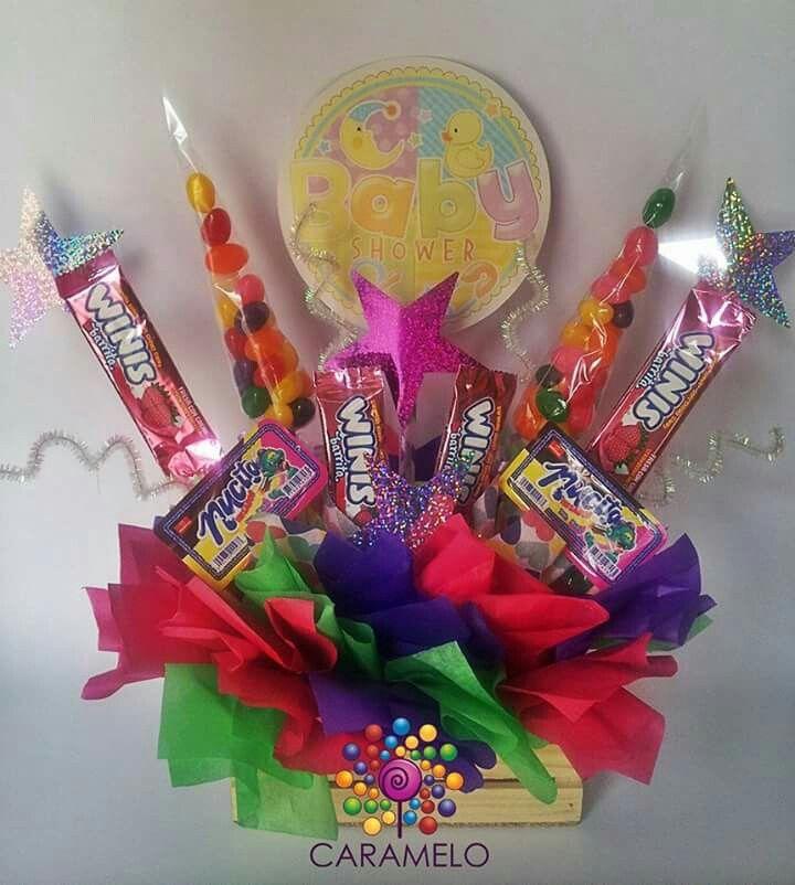 Centro de mesa con dulces para baby shower caramelo for Mesa dulce para baby shower