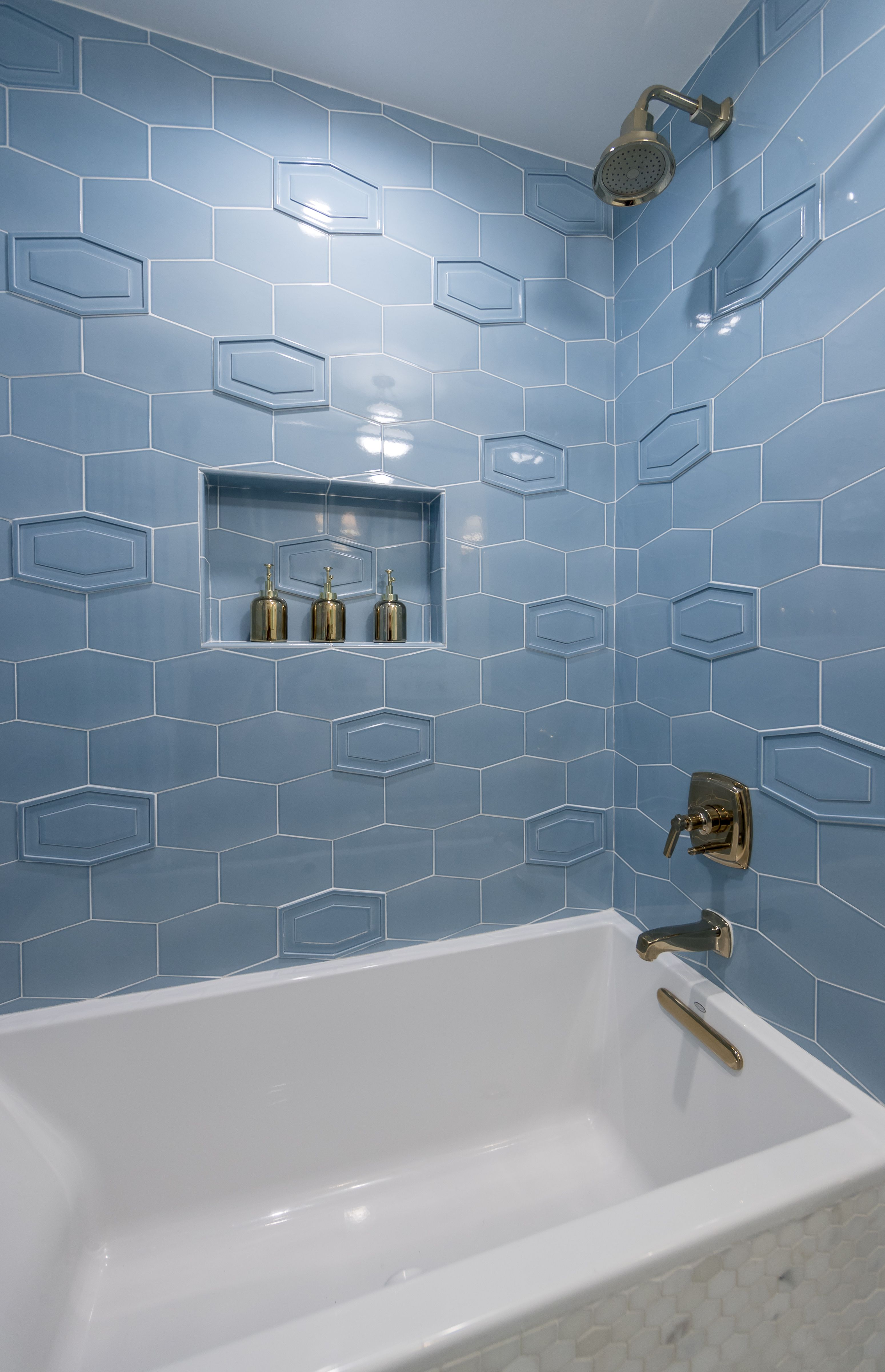 Studio Moderne Montclair Flat And Relief In Moonstone Click To View This Collection In 2020 Art Deco Tiles Walker Zanger Tile Architectural Decoration