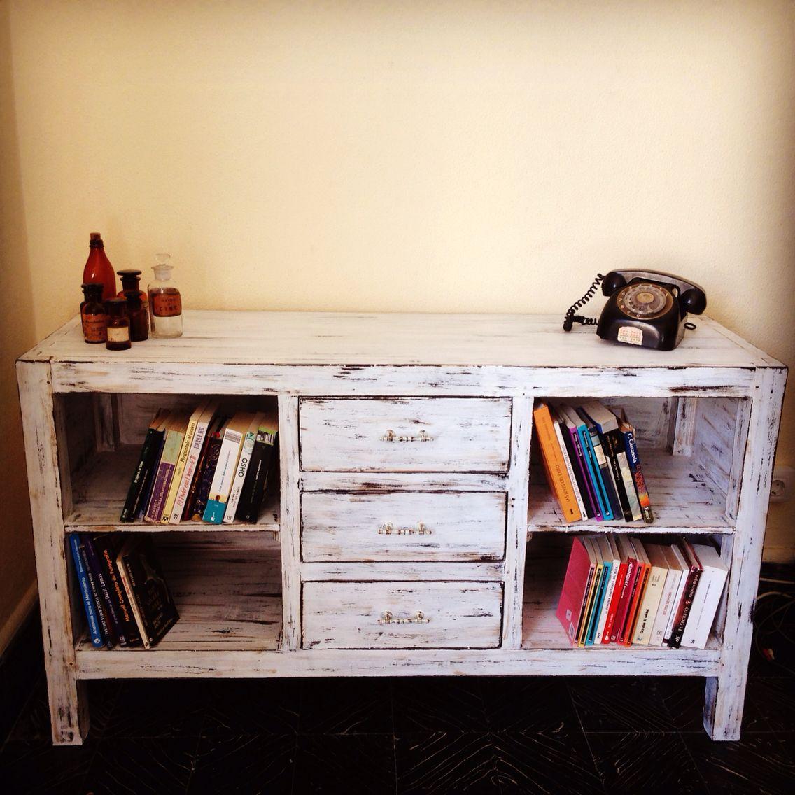 Mueble Restaurado Y Patinado Blanco Envejecido El Atelier Del  # Muebles Blanco Poblenou