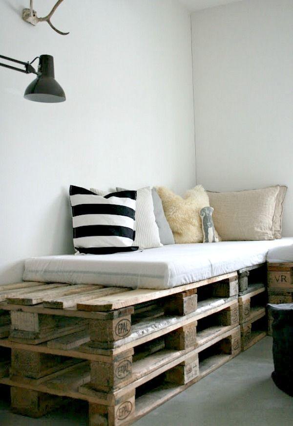 pallets zijn veelzijdig je kunt allerlei meubels maken van pallets zoals salontafels en banken. Black Bedroom Furniture Sets. Home Design Ideas