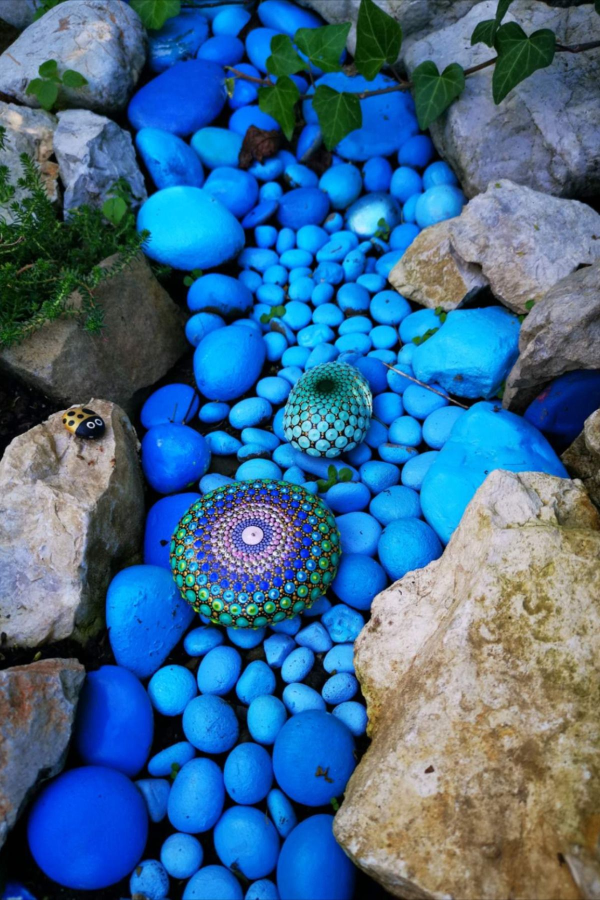 Handmade Dotted Acrylic Mandala Stone