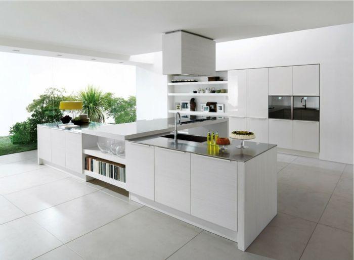 Küche Modern Einrichten Geräumig Weiße Bodenfliesen Kücheninsel