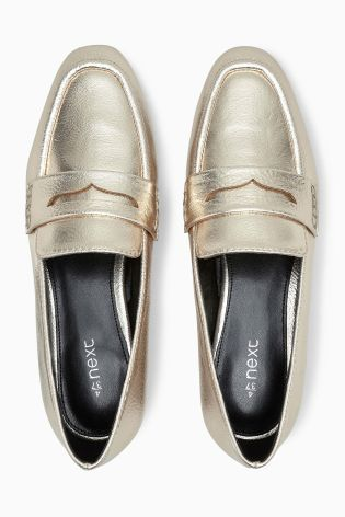 Add a pop of metallic to your winter wardrobe with our GORG loafers!