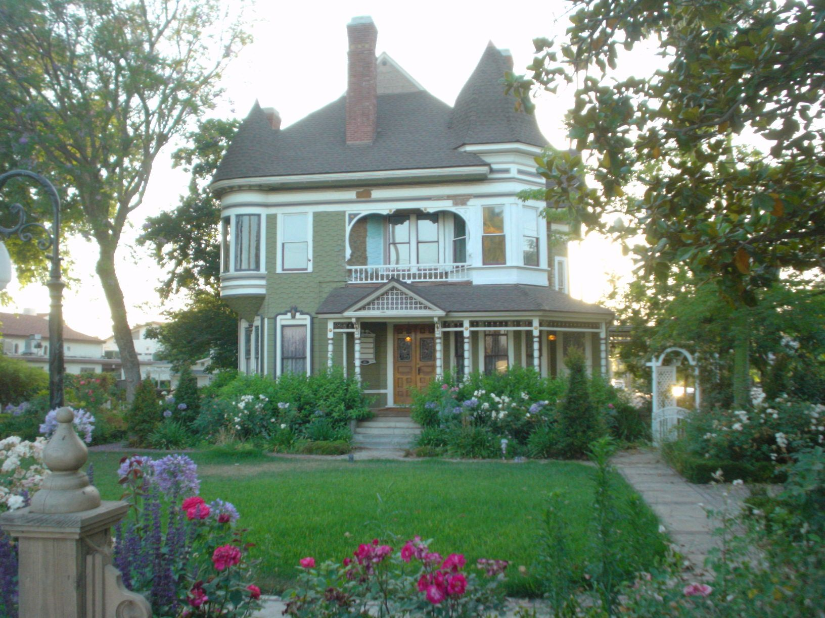 Victorian homes for sale in mississippi - Queen Anne Style Houses In Riverside Ca Usa