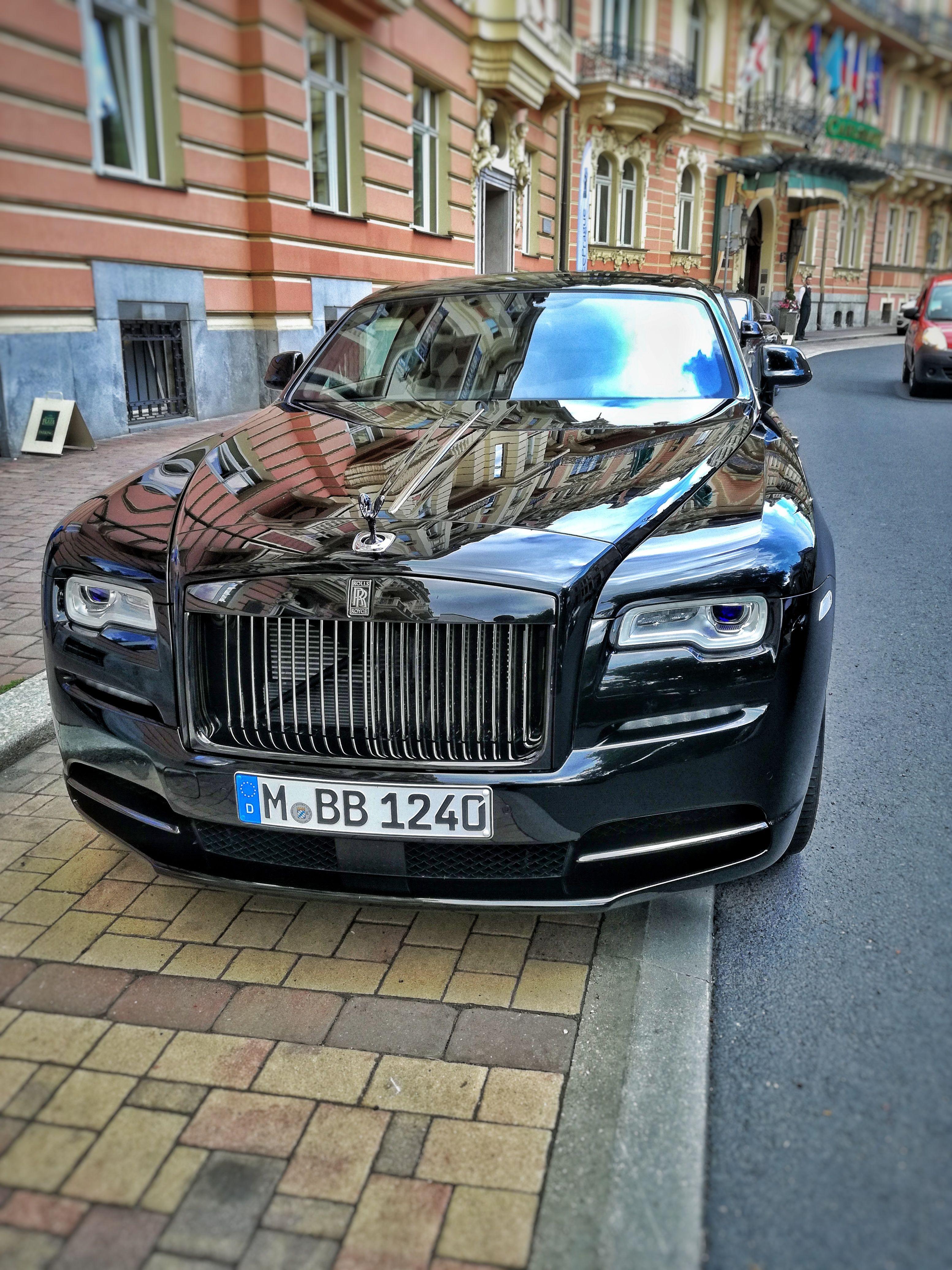 Rolls Royce Wraith Vase Fotky Zasilejte Pres Link Uvedeny V Nasem