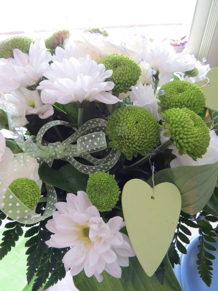 Christening flowers green theme ristiäiset