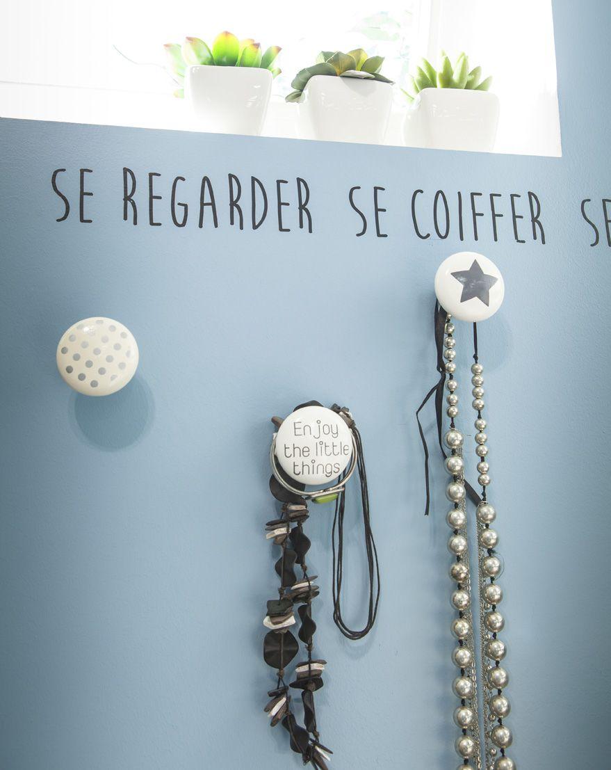 Pour Les Colliers Les Bracelets Dans La Salle De Bains Ou Dans La Chambre Idee Deco Bricolage Idee Deco Maison Idee Deco Interieur