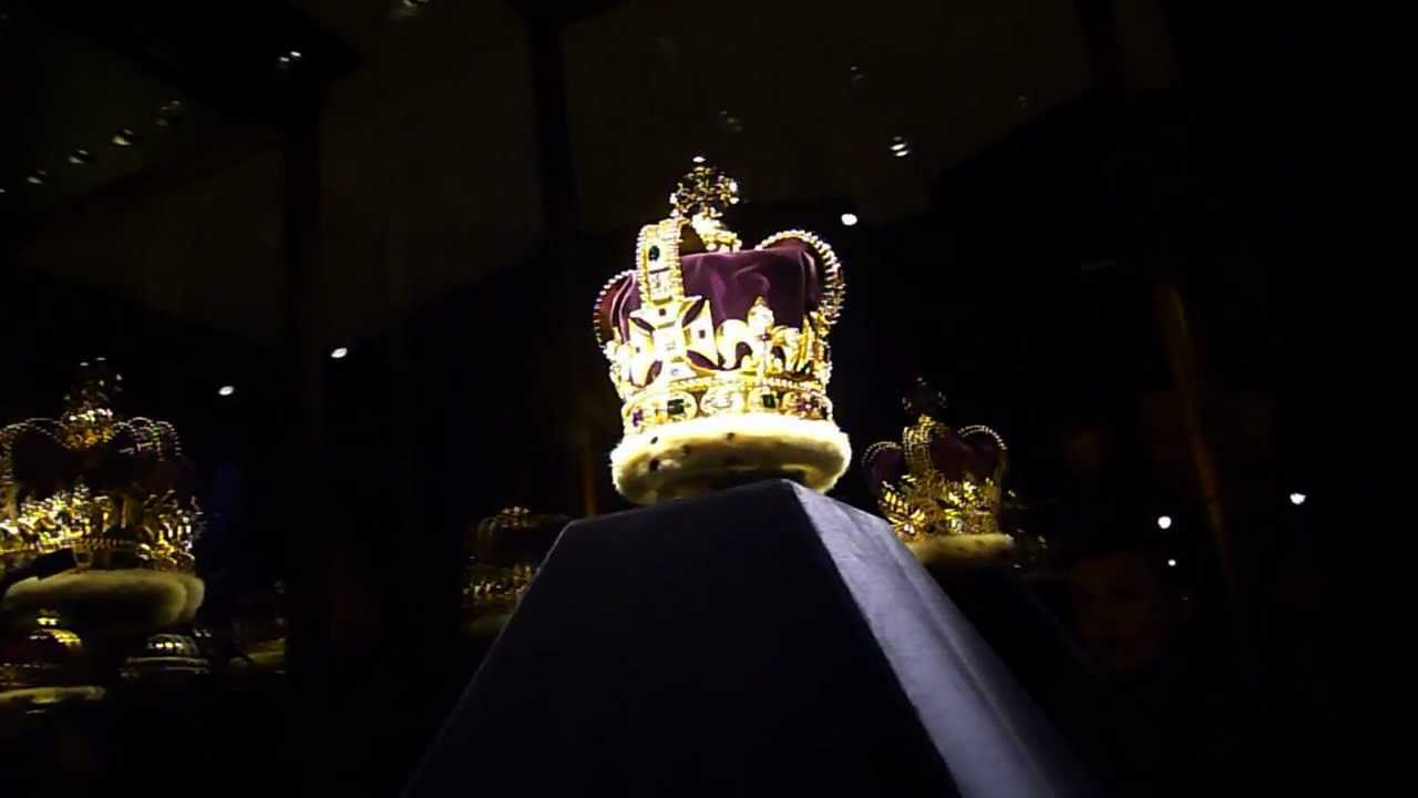 The Crown Jewels at the Tower of London | England, UK | Pinterest ...