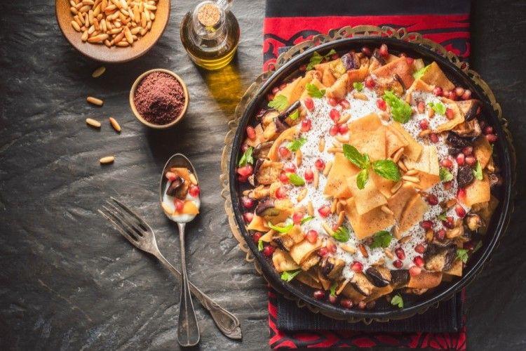 فتة باذنجان بالزبادي مطبخ سيدتي Recipe Ramadan Recipes Vegetarian Recipes Food Dishes