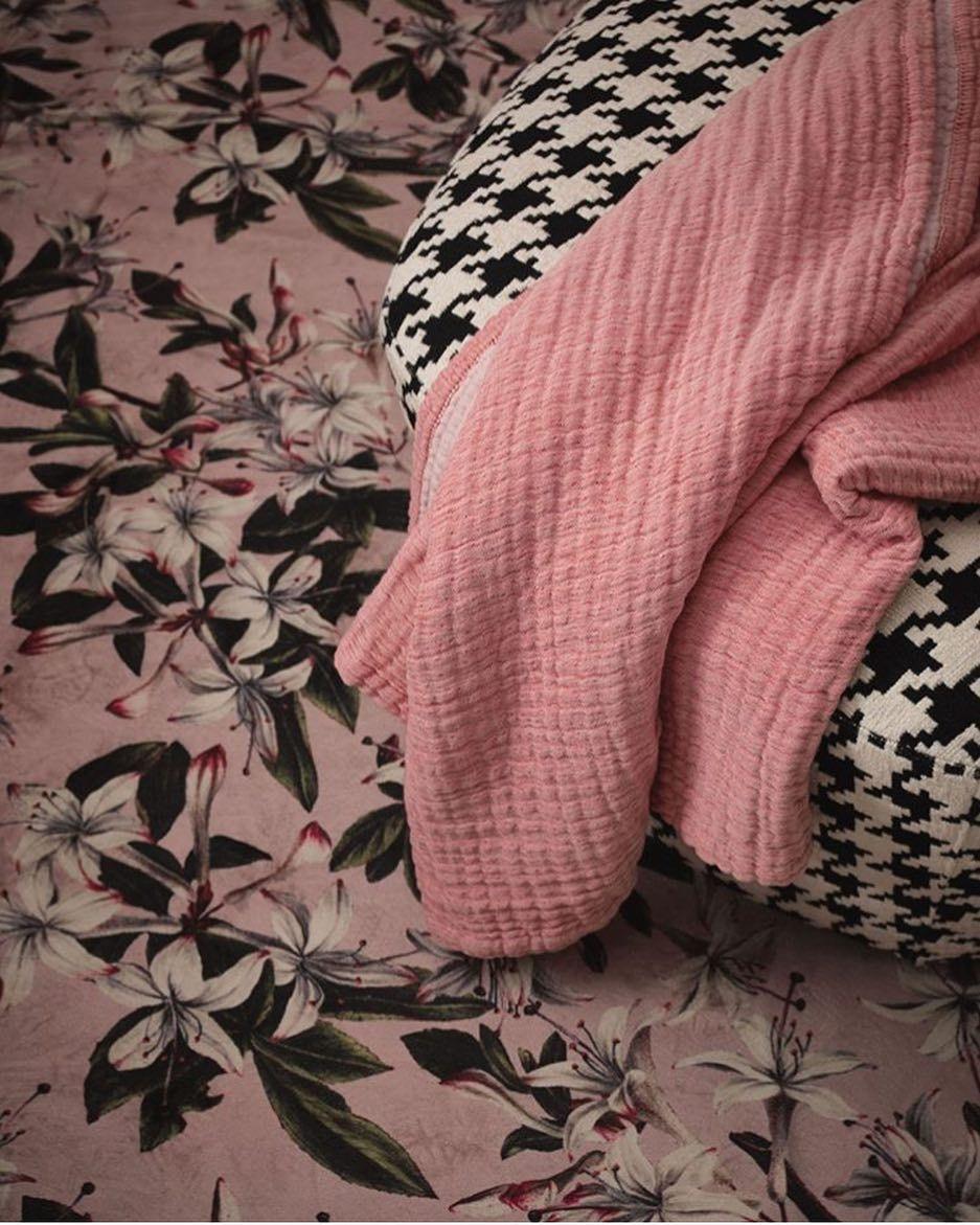 Wusstest Du Dass Die Lilie Fur Eleganz Sinnlichkeit Und Fur Die Weiblichkeit S Essenza Vintage Eclectic Plaid