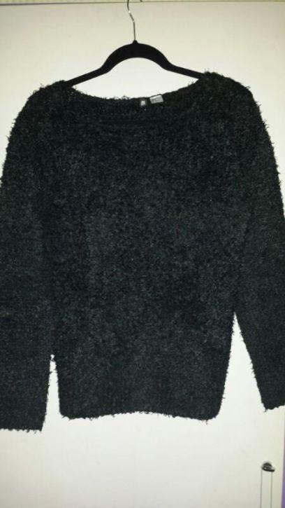 Zwarte Fluffy Trui.Zwarte Fluffy Zachte Trui Mt M Prijs 7 50 Marktplaats