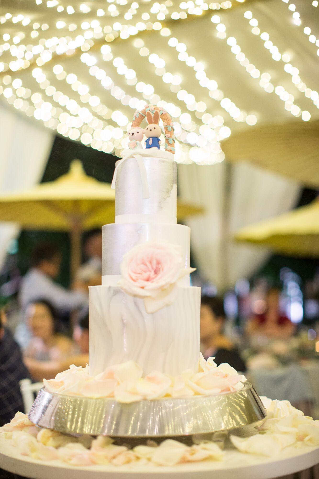 Real wedding photo -- rabbit and bear wedding cake topper, wedding ...