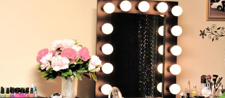 Um espelho camarim têm um preço bem acessível e e pode ser facilmente feito em casa.
