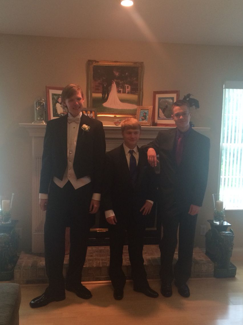 Only guys prom picture
